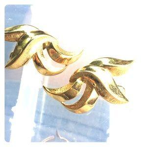 TRIFARI bold gold curved clip earrings 1970s vtg